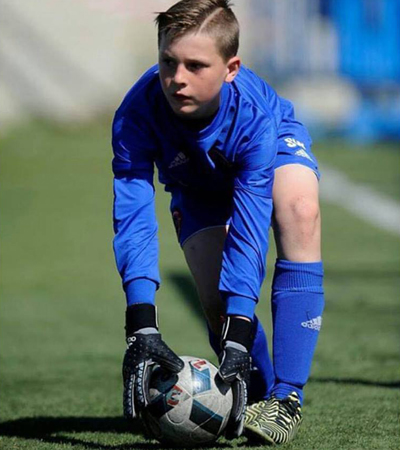 https://www.learnplayachieve.com/wp-content/uploads/2018/08/soccer-academcy-goalie-400px.jpg